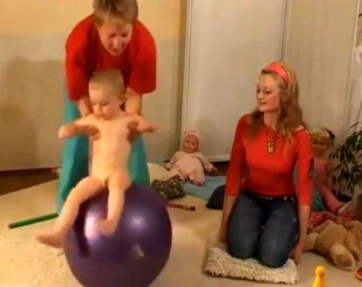 Пример детского массажа с шариком